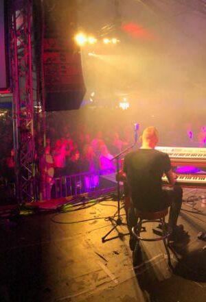 Rondom Muziekfestival - Phoenixcoverband.nl